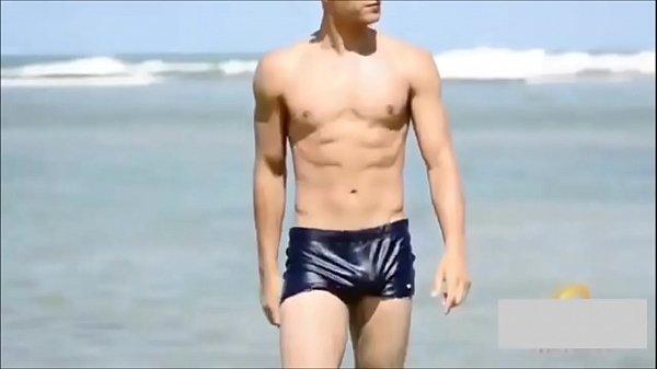 Modelo gostoso de sunga