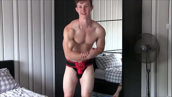 Muscle Sex God Nathan Green Gets Oiled while Flexing