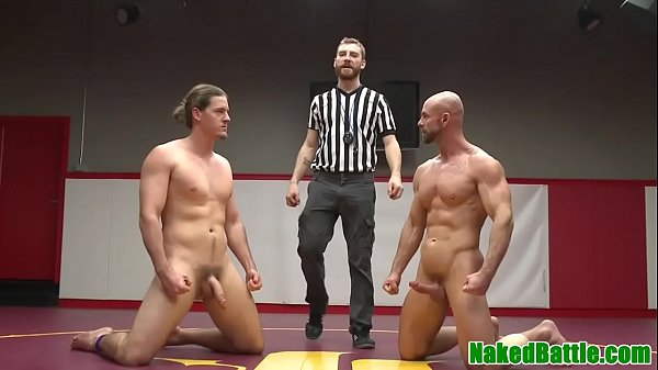 Wrestling jock toys hunks ass before jerking cumshot